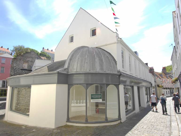 4-6, Mansell Street: Retail Space