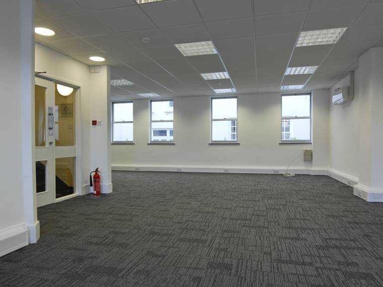 23-25 The Pollet: 650 sq.ft Office